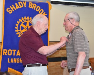 Bob Morris Presenting President Pin on Dick Newbert - 2016-06-15