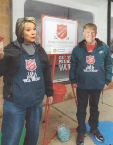 salvation-army-bell-ringing-at-jc-pennys-hillary-and-donald-2016-11-26