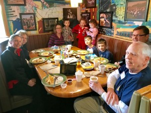 2016-12-10-applebees-pancake-breakfast-01