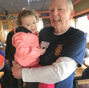 2016-12-10-applebees-pancake-breakfast-05
