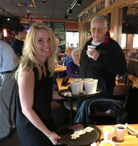2016-12-10-applebees-pancake-breakfast-08