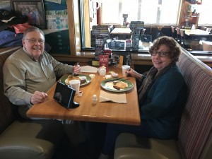 2016-12-10-applebees-pancake-breakfast-12