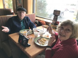 2016-12-10-applebees-pancake-breakfast-13