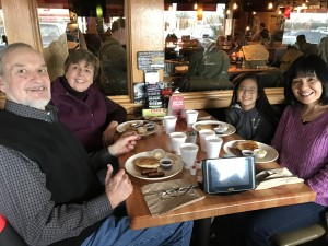 2016-12-10-applebees-pancake-breakfast-17