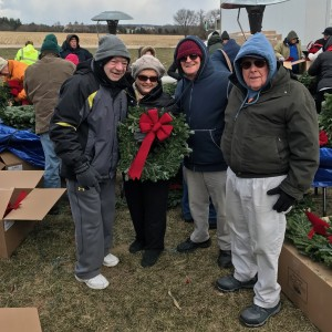 2016-12-15-irv-wendy-alan-and-jerry-at-teh-wreaths-across-america-bow-tying